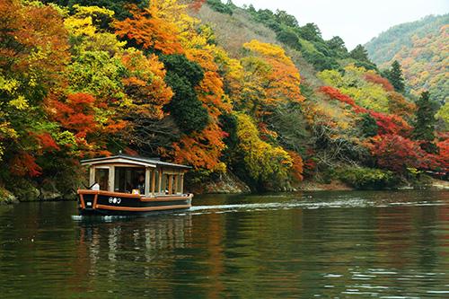 9_船遊賞楓_Check in Boat02