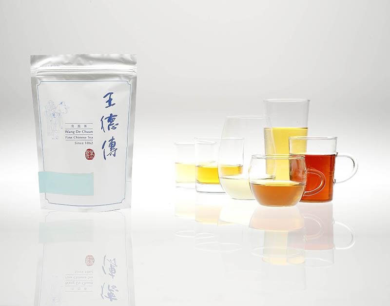 百年茶莊王德傳為提供茶友更多元的選擇,自7月7日起推出三峽碧螺春、金萱烏龍、蜜香紅茶三款冷泡茶新口味,炎炎夏季一次暢飲綠茶的鮮爽,烏龍茶的回甘清甜,以及紅茶的糖蜜甜香