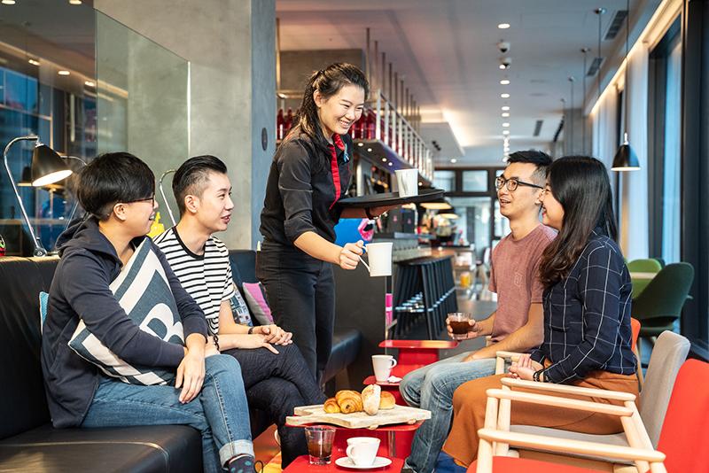【1018 citizenM世民酒店新聞稿附圖五】citizenM致力於提供附擔得起的奢華 跳脫傳統飯店框架 提供旅客更有溫度的服務