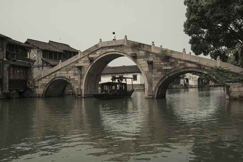 Alila Wuzhen - Alila Experience - Water Town Scenic Walk - Bridge 02