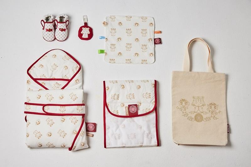 日日安禮盒-內含嬰兒鞋、口水巾、包巾、肚圍、護身符收納袋、外出收納帆布提袋等六種商品