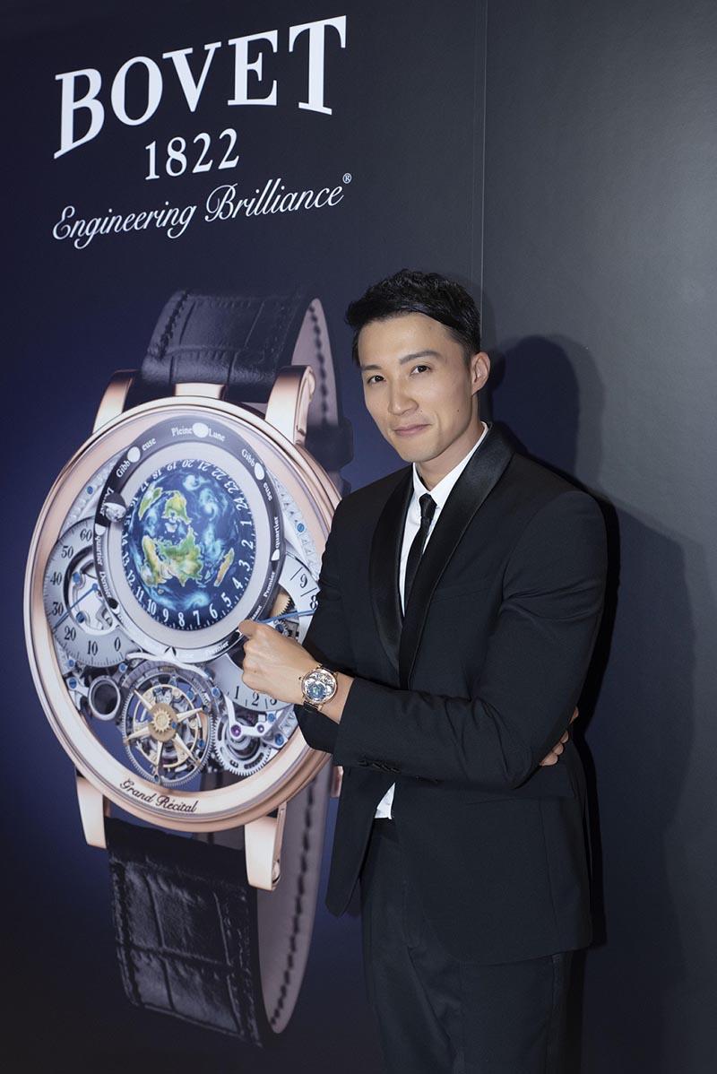 圖11.男模配戴獲得金指針大獎的Bovet Récital 22 Grand Récital(玫瑰金)錶款