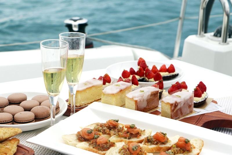 帆船之旅。極致漫遊輕食甜點