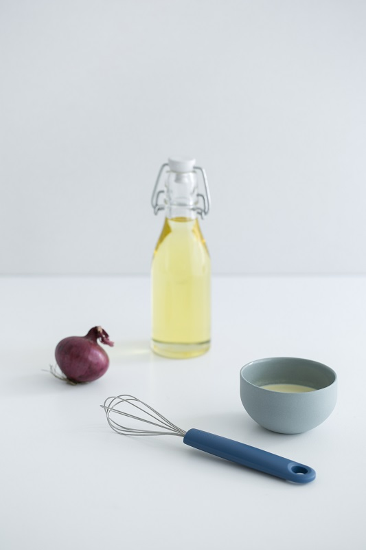 Whisk, Small - Tasty Colours Blue - 8710755402906 Brabantia_3840x5760px_6_NR-9037