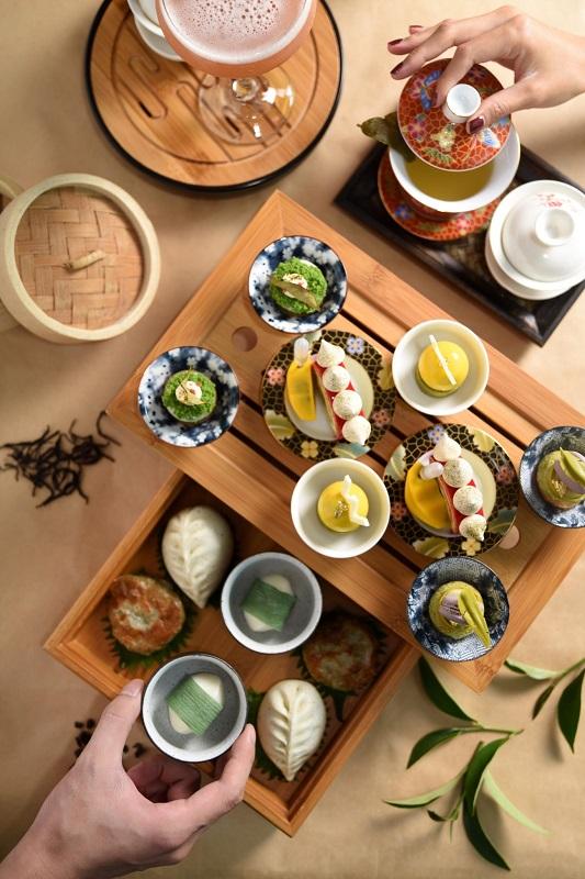 台北W飯店 - YEN Bar下午茶新作「TEA-PSY YEN午茶艷」以茶香為延伸,將台灣茶葉的清雅與濃郁嵌入甜點之中,搭佐YEN Bar最受歡迎「PAR-TEA YEN紫醉茶行」系列精選六款茶調酒!