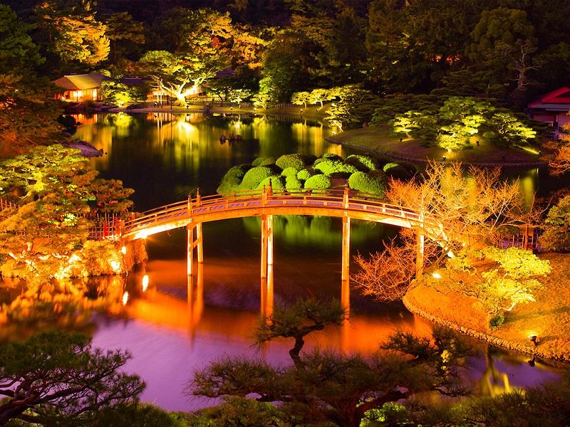 03【易遊網】「栗林公園」的夜楓是高松別具特色的賞楓名所