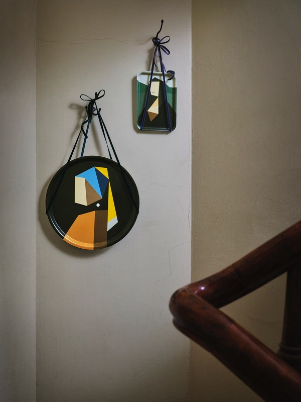 圖二:DEKORERA限量系列用色塊在托盤上重現了達文西的「蒙娜麗莎的微笑」及維梅爾的「戴珍珠耳環的少女」兩幅經典作品。