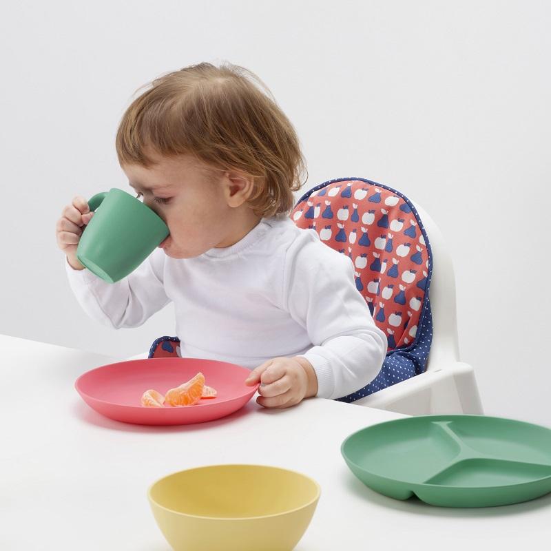 圖說6:「HEROISK」系列餐具材質選用可再生的聚乳酸(玉米澱粉樹脂)塑膠,同時兼顧安全與環保!