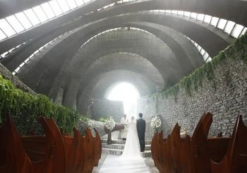 與天地共枕的大師級婚禮 石之教堂