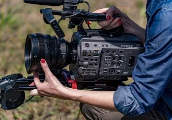 Sony E 接環全片幅大光圈廣角變焦電影鏡頭 在台上市!
