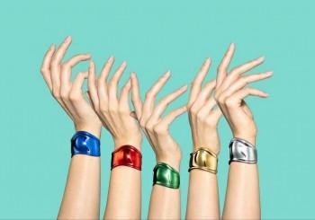 繽紛色調歡慶問世50周年 Tiffany & Co.新推手環限定版