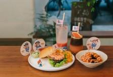Waku Waku burger限定櫻花粉餐點 準備與小新解開咬屁鬼真面目!