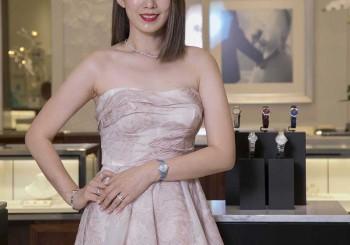 【Tiffany & Co.】 攜手時尚貴婦Melody 詮釋全新Metro女士腕錶系列